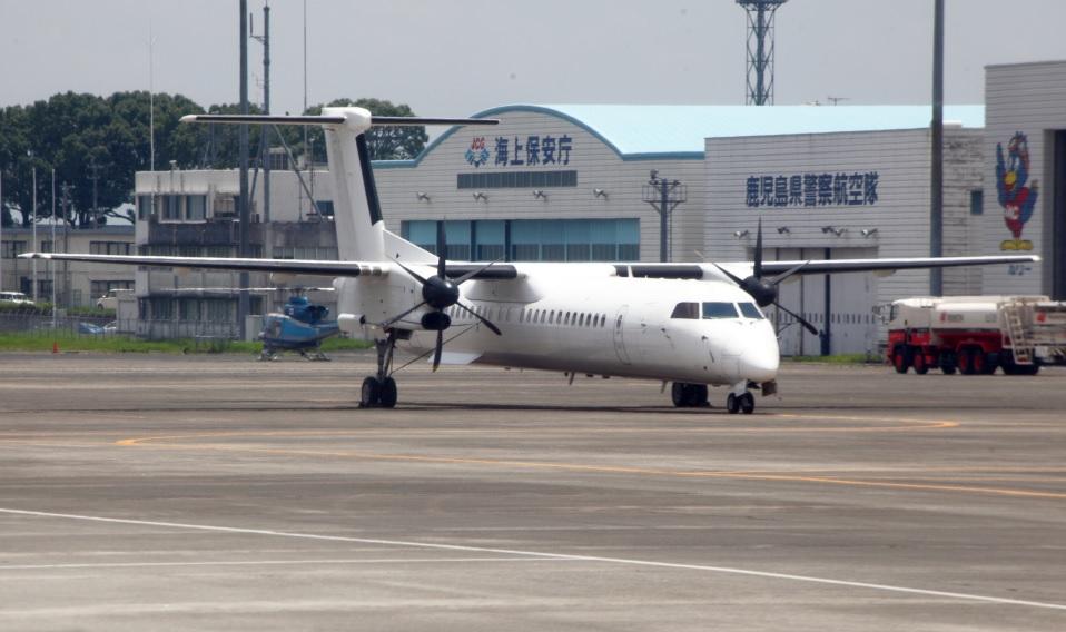 Bombardier Q400 (6)