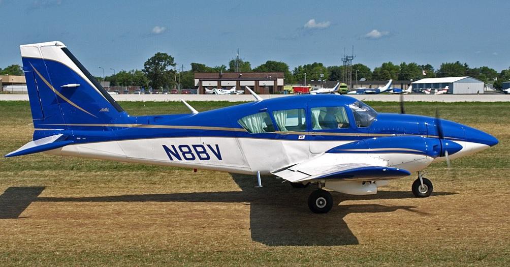 Piper PA23